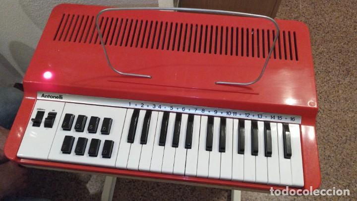 """Instrumentos musicales: Organo 1969 """"Golden Organ Antonelli"""" con teclado Polifónico y Pie desmontable mod 27/8 VSP - Foto 3 - 242908425"""