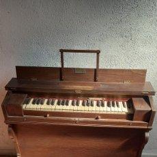 """Instrumentos musicales: ÓRGANO, ARMONIO DE IGLESIA """"CUSSO SFHA- BARCELONA"""".. Lote 243633050"""