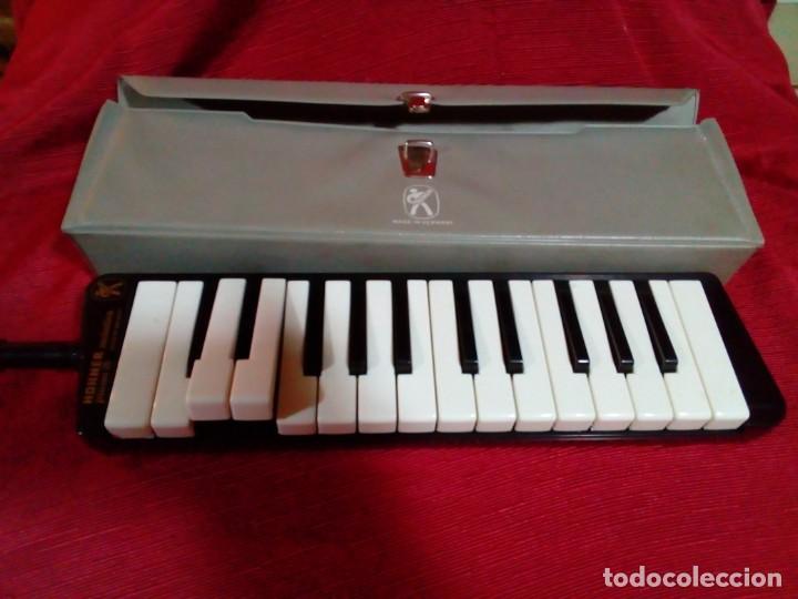 MELÓDICA ALEMANA CON BOQUILLA MARCA HOHNER (Música - Instrumentos Musicales - Teclados Eléctricos y Digitales)