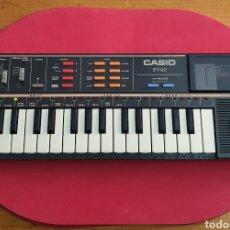Strumenti musicali: TECLADO ANTIGUO MARCA CASIO MODELO PT-82 CON CARTUCHO ROM PACK RO-551 WORLD SONGS. Lote 245547080