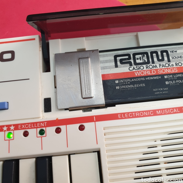 Instrumentos musicales: TECLADO ANTIGUO MARCA CASIO MODELO PT-82 CON CARTUCHO ROM PACK RO-551 WORLD SONGS - Foto 5 - 245548570