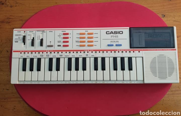 TECLADO ANTIGUO MARCA CASIO MODELO PT-82 CON CARTUCHO ROM PACK RO-551 WORLD SONGS (Música - Instrumentos Musicales - Teclados Eléctricos y Digitales)