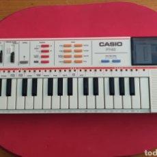 Instrumentos musicales: TECLADO ANTIGUO MARCA CASIO MODELO PT-82 CON CARTUCHO ROM PACK RO-551 WORLD SONGS. Lote 245548570