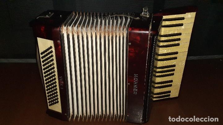 Instrumentos musicales: Acordeon HOHNER Verdi ll con su funda. - Foto 2 - 248314625