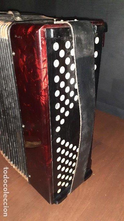Instrumentos musicales: Acordeon HOHNER Verdi ll con su funda. - Foto 3 - 248314625