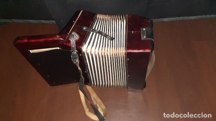 Instrumentos musicales: Acordeon HOHNER Verdi ll con su funda. - Foto 4 - 248314625