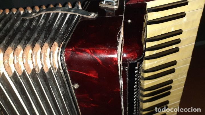 Instrumentos musicales: Acordeon HOHNER Verdi ll con su funda. - Foto 7 - 248314625