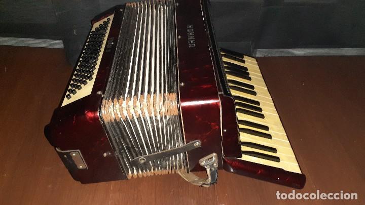 Instrumentos musicales: Acordeon HOHNER Verdi ll con su funda. - Foto 8 - 248314625