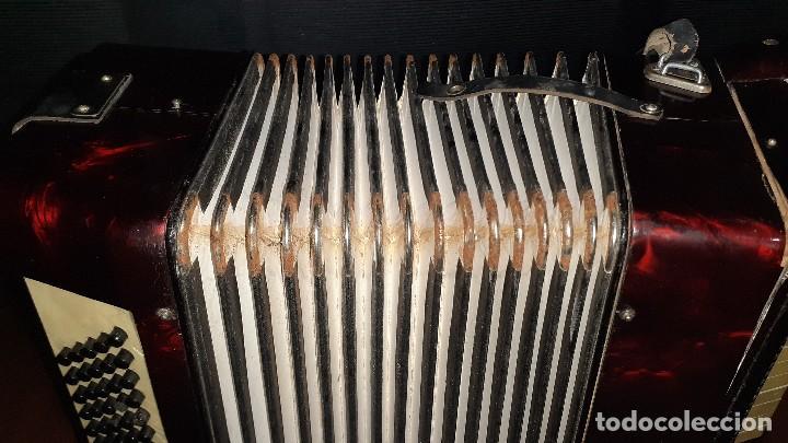 Instrumentos musicales: Acordeon HOHNER Verdi ll con su funda. - Foto 12 - 248314625