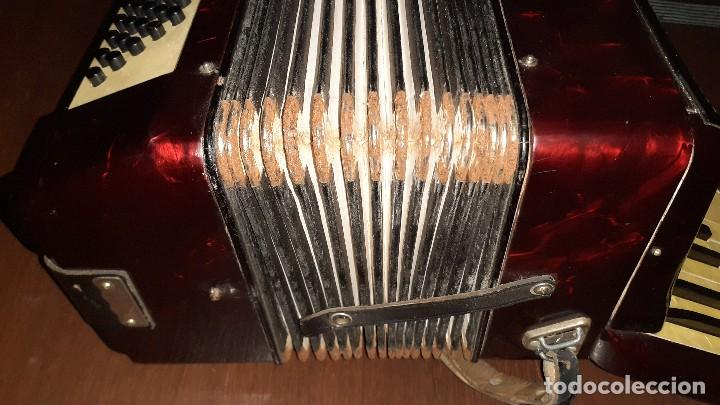 Instrumentos musicales: Acordeon HOHNER Verdi ll con su funda. - Foto 13 - 248314625