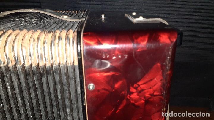 Instrumentos musicales: Acordeon HOHNER Verdi ll con su funda. - Foto 14 - 248314625