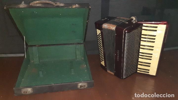 Instrumentos musicales: Acordeon HOHNER Verdi ll con su funda. - Foto 34 - 248314625
