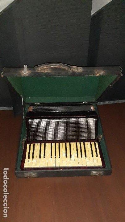 Instrumentos musicales: Acordeon HOHNER Verdi ll con su funda. - Foto 35 - 248314625