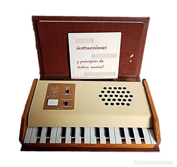 ORGANO ELECTRONICO - LIBRO MUSICAL SALVANY ¡¡FUNCIONA!! (Música - Instrumentos Musicales - Pianos Antiguos)