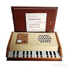 Instrumentos Musicais: ORGANO ELECTRONICO - LIBRO MUSICAL SALVANY ¡¡FUNCIONA!!. Lote 248431100