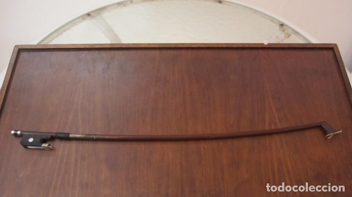 ARCO DE VIOLONCHELO MARCA ARY FRANCE (Música - Instrumentos Musicales - Cuerda Antiguos)