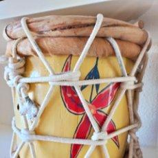 Instrumentos musicales: TAMBOR, TAMBORA PERCUSIÓN DOMINICANA DEL TRÍO COLIBRÍ DE REPUBLICA DOMINICANA INSTRUMENTO UNICO. Lote 248556565