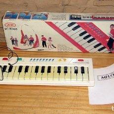 Instrumentos Musicais: ANTIGUO ORGANO O TECLADO CROWNTONE CON AURICULARES - EN SU CAJA ORIGINAL. Lote 248839265
