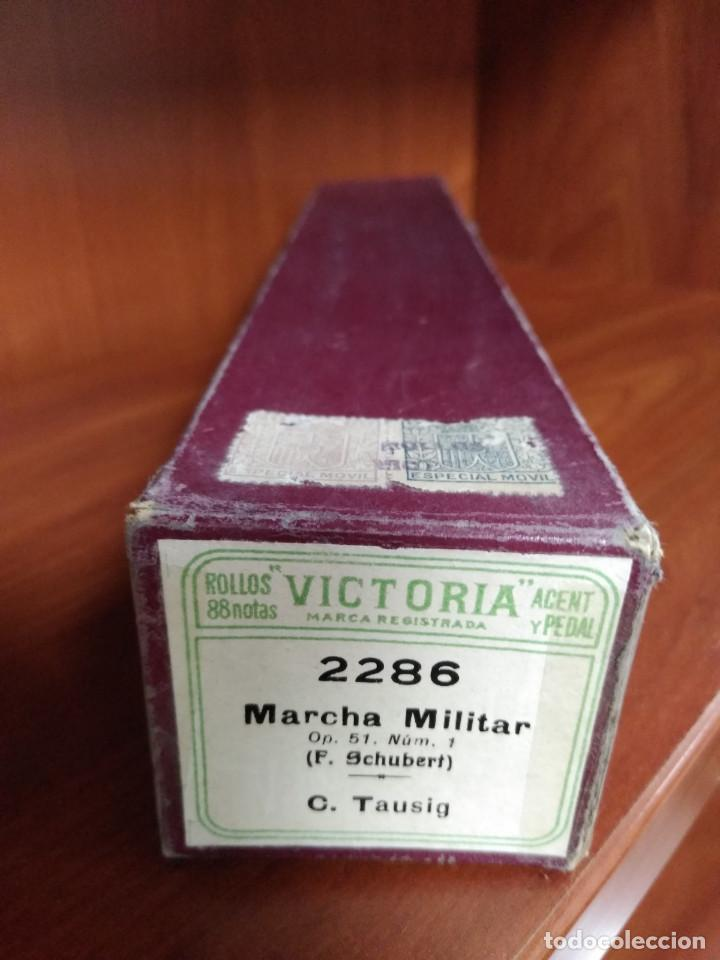 Instrumentos musicales: ROLLO PARA PIANOLA 88 NOTAS VICTORIA. 2286 MARCHA MILITAR. Op. 51 Nüm. 1. F. SCHUBERT - Foto 4 - 249544040