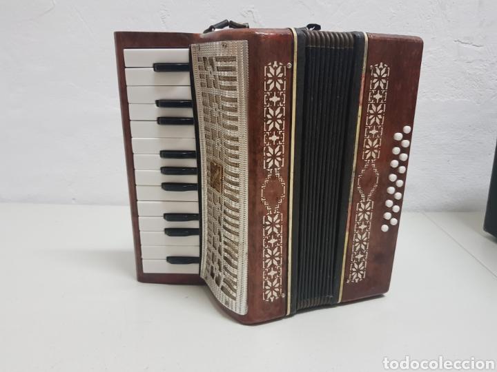 Instrumentos musicales: Acordeón Manbiw ,Razho ,made in URSS - Foto 2 - 251567265