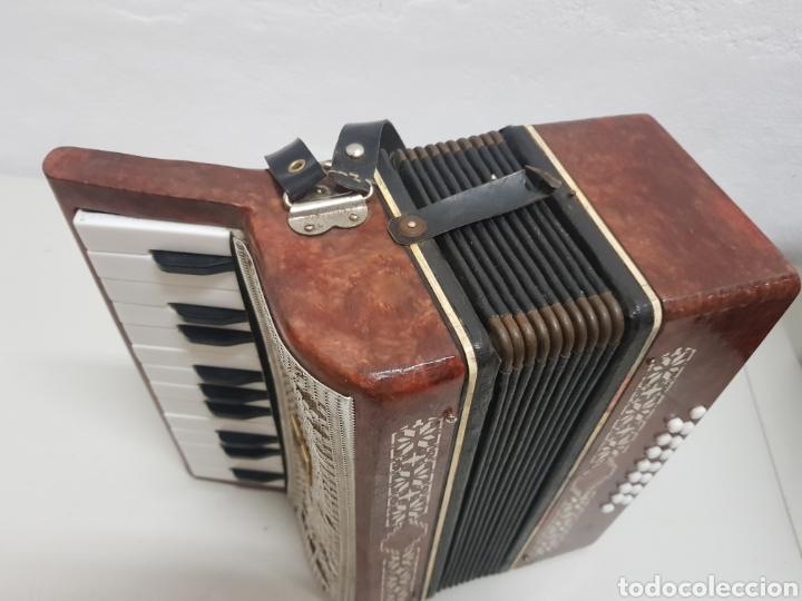 Instrumentos musicales: Acordeón Manbiw ,Razho ,made in URSS - Foto 3 - 251567265