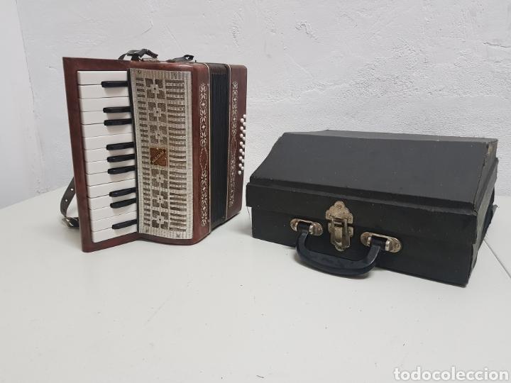 ACORDEÓN MANBIW ,RAZHO ,MADE IN URSS (Música - Instrumentos Musicales - Viento Metal)