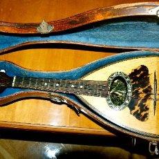 Instrumentos musicales: MANDOLINA NAPOLITANA O DE ESPALDA REDONDA, CON ESTUCHE (FABRICADA EN PARÍS).. Lote 262707665