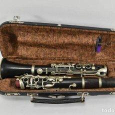 Instrumentos musicales: PRECIOSO Y ANTIGUO CLARINETE EN EBANO Y ACERO CON MALETA Y ACCESORIOS 60 CM 1,2 KG.. Lote 252190100