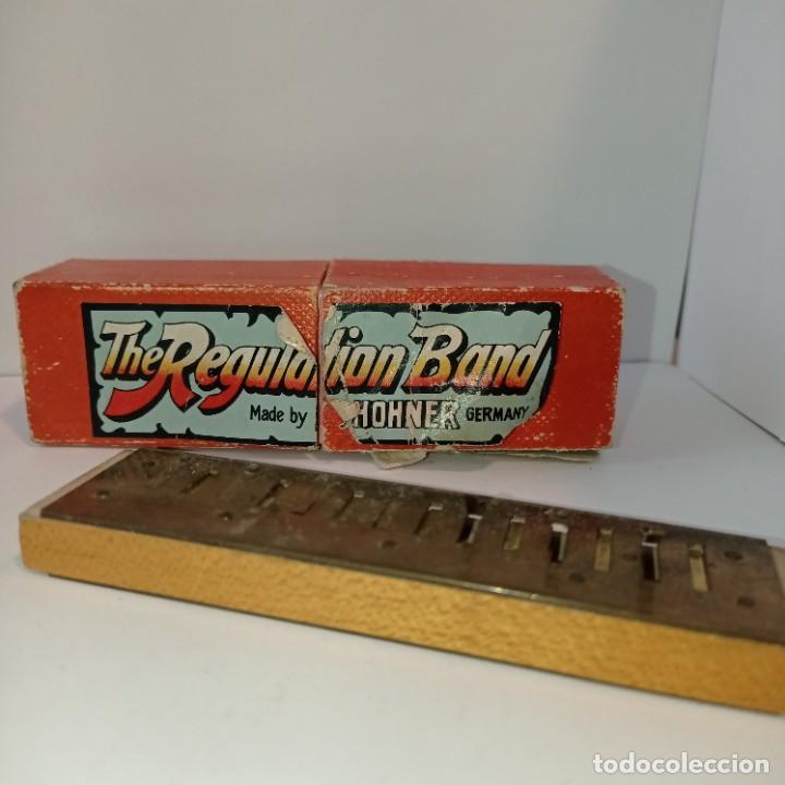 Instrumentos musicales: Armónica Hohner muy antigua - The Regulation Band- Caja y harmonica sin tapas. Entre 1905 y 1952. - Foto 4 - 252791580