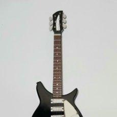 Instrumentos musicales: GUITARRA EN MINIATURA DE JOHN LENNON. THE BEATLES. Lote 253030025