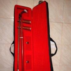 Instrumentos musicales: ARTINO MARCO POLO PREMIUM ERHU, CON ACCESORIOS Y ESTUCHE TODO ORIGINAL.. Lote 253546710