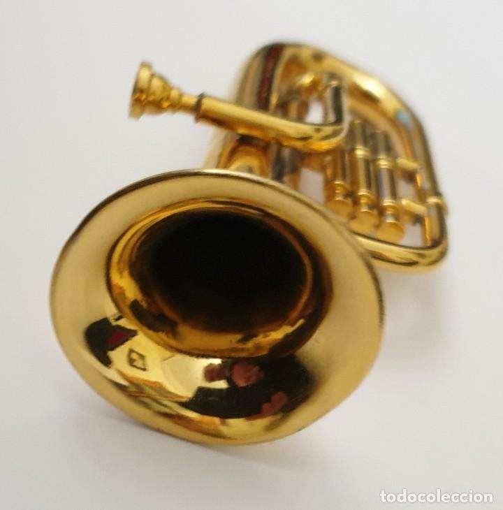 Instrumentos musicales: LOTE 4 INSTRUMENTOS VIENTO DE METAL EN MINIATURA 13-15 CM CON SU ESTUCHE TROMPETA SAXO TROMBON TUBA - Foto 8 - 254083265