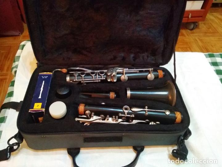 CLARINETE J. MICHAEL CON MALETÍN Y ACCESORIOS ( BOQUILLA VANDOREN POR EJEMPLO ) LOTE CON DEFECTOS (Música - Instrumentos Musicales - Viento Metal)