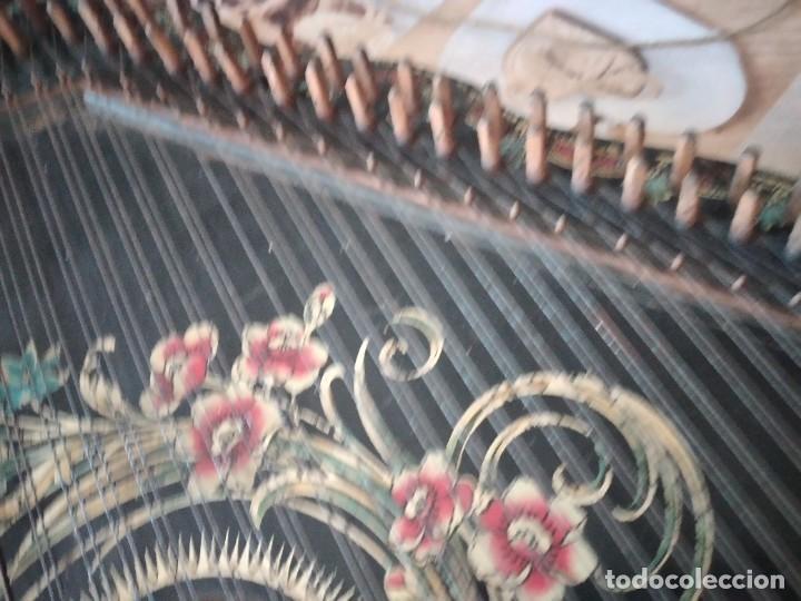 Instrumentos musicales: Antigua citara , concert mandolin zither 80 cuerdas, madera policromada. - Foto 11 - 254594645