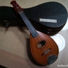 Instrumentos musicales: MANDOLINA EN MINIATURA CON ESTUCHE.20 CM. (RF :VG/E). Lote 254734120