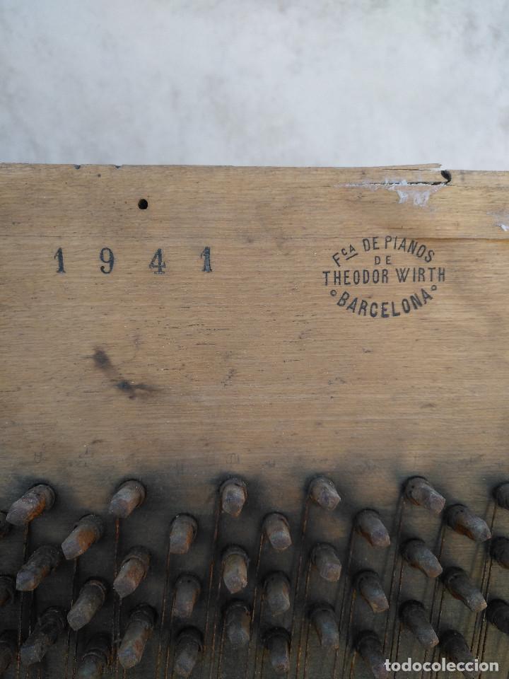 Instrumentos musicales: Arpa de piano de la fabrica de pianos de Theodor Wirth Barcelona 1941. - Foto 4 - 254772575