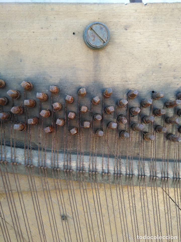 Instrumentos musicales: Arpa de piano de la fabrica de pianos de Theodor Wirth Barcelona 1941. - Foto 8 - 254772575