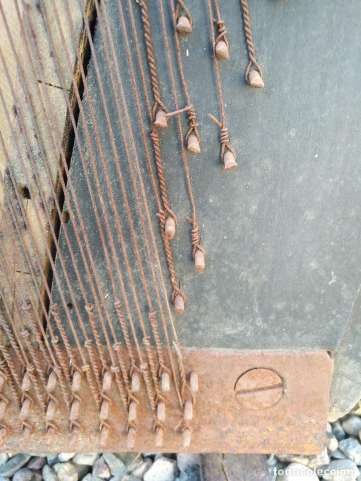 Instrumentos musicales: Arpa de piano de la fabrica de pianos de Theodor Wirth Barcelona 1941. - Foto 12 - 254772575