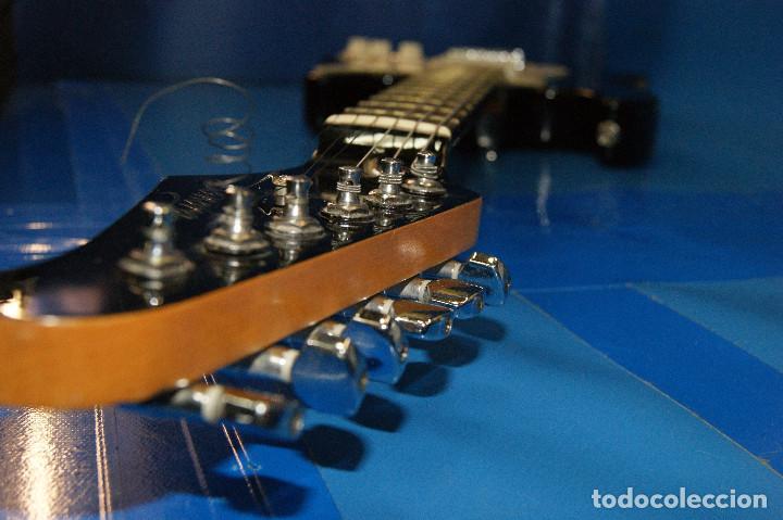Instrumentos musicales: Guitarra eléctrica. Sonora. Con funda. Sin accesorios. - Foto 7 - 254877015