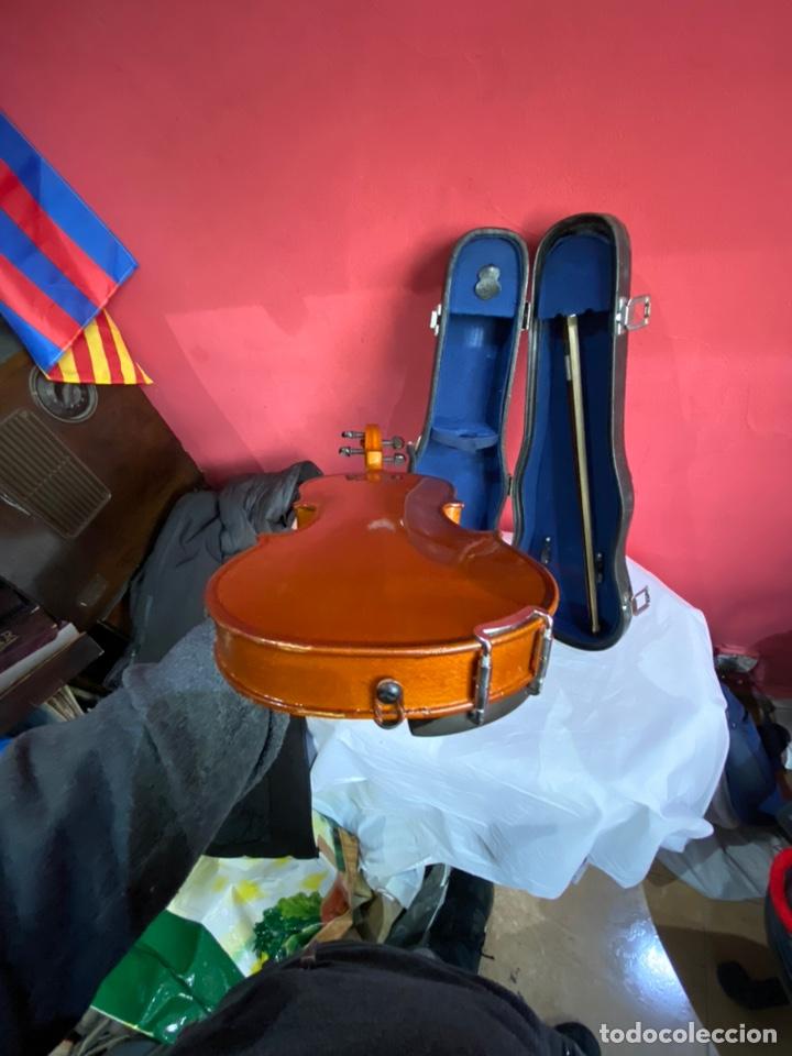 Instrumentos musicales: Antiguo violín de niño - Foto 3 - 254916565