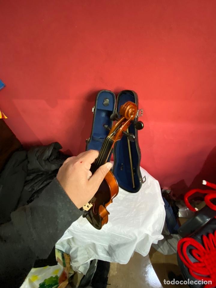 Instrumentos musicales: Antiguo violín de niño - Foto 4 - 254916565