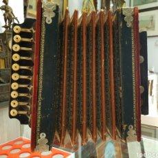 Instrumentos musicales: ANTIGUO ACORDEON DIATONICO. BOTONERA HUESO.. Lote 255514270