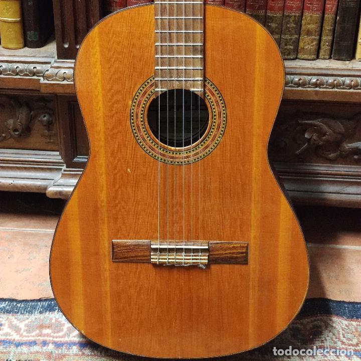 Instrumentos musicales: Guitarra española clásica. Garrido. Madrid. Revisada y recién encordada. Bonito sonido flamenco. - Foto 2 - 257957910