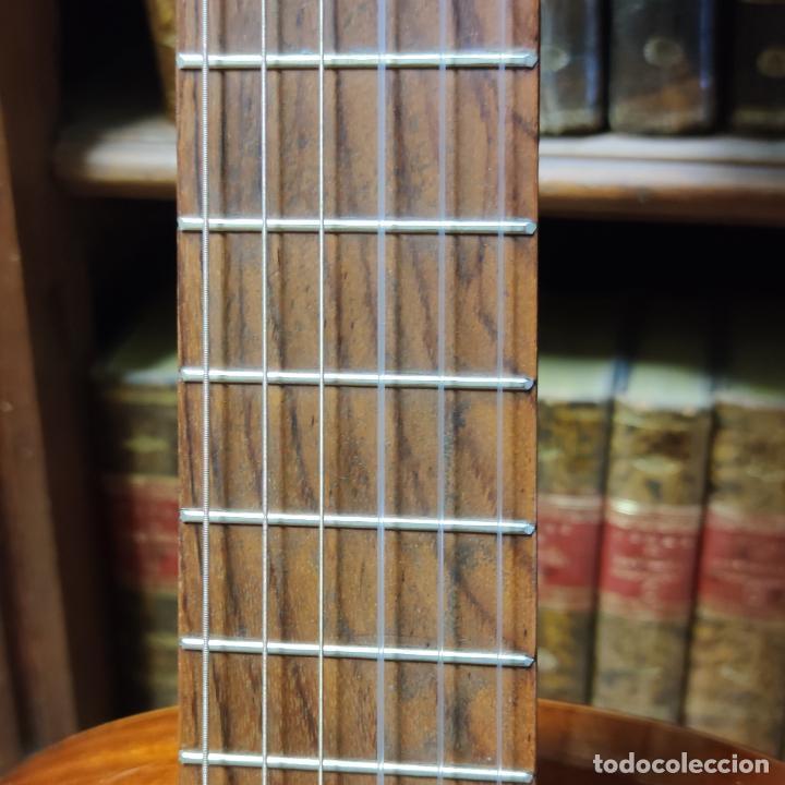 Instrumentos musicales: Guitarra española clásica. Garrido. Madrid. Revisada y recién encordada. Bonito sonido flamenco. - Foto 8 - 257957910