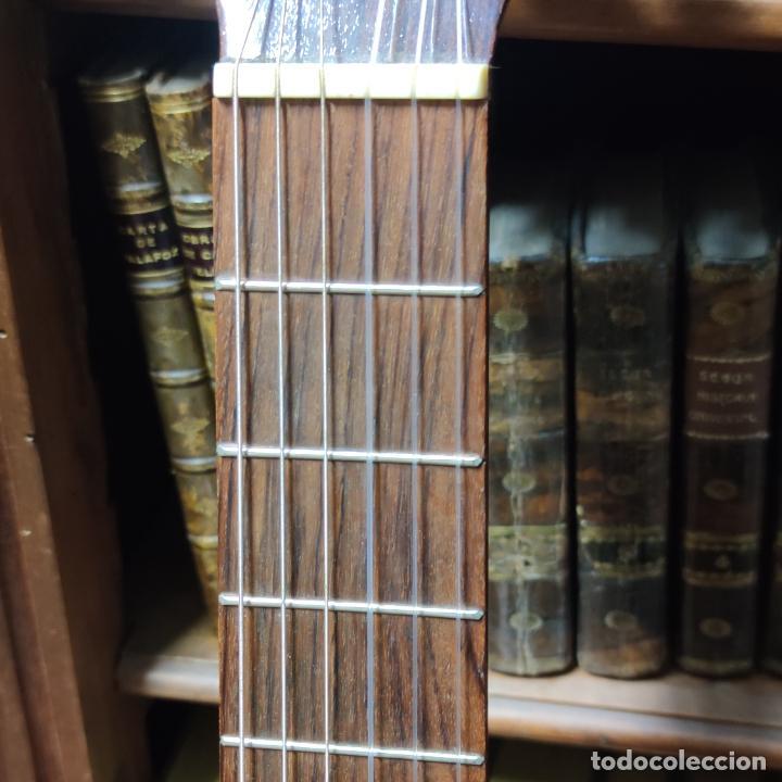 Instrumentos musicales: Guitarra española clásica. Garrido. Madrid. Revisada y recién encordada. Bonito sonido flamenco. - Foto 9 - 257957910
