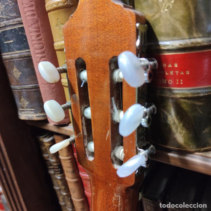 Instrumentos musicales: Guitarra española clásica. Garrido. Madrid. Revisada y recién encordada. Bonito sonido flamenco. - Foto 14 - 257957910