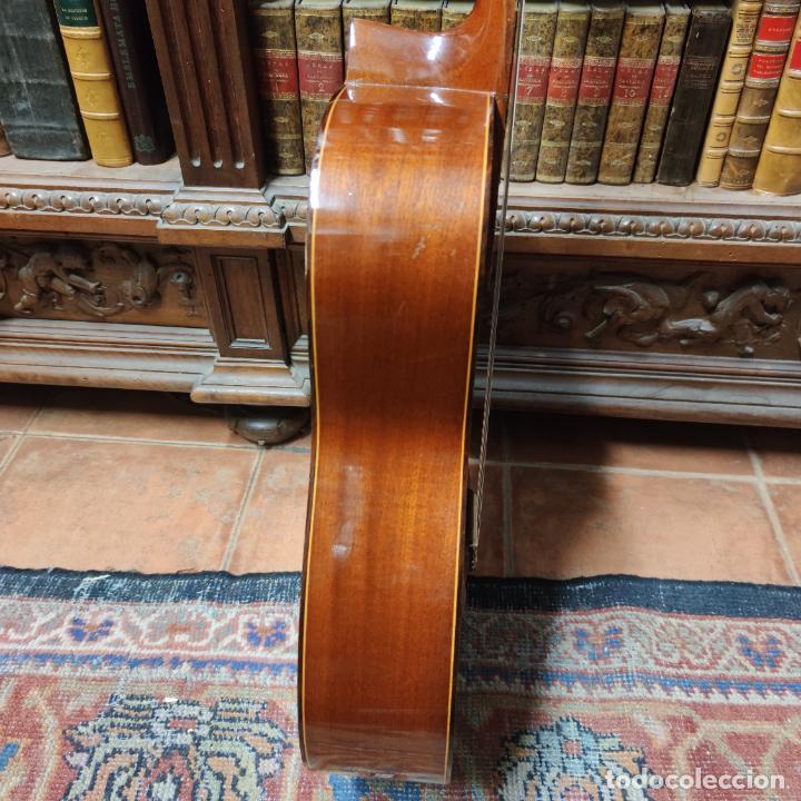 Instrumentos musicales: Guitarra española clásica. Garrido. Madrid. Revisada y recién encordada. Bonito sonido flamenco. - Foto 17 - 257957910
