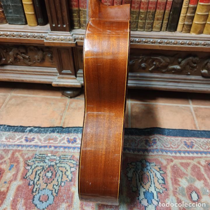 Instrumentos musicales: Guitarra española clásica. Garrido. Madrid. Revisada y recién encordada. Bonito sonido flamenco. - Foto 18 - 257957910
