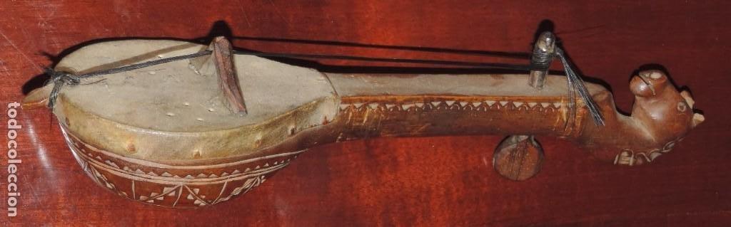 ANTIGUO TRABAJO PASTORIL, RABEL CON CUERPO Y MASTIL DE UNA SOLA PIEZA DE MADERA, ARTISTICAMENTE TALL (Música - Instrumentos Musicales - Cuerda Antiguos)