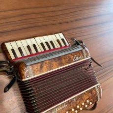 Instrumentos musicales: ANTIGUA CONCERTINA. Lote 261841845